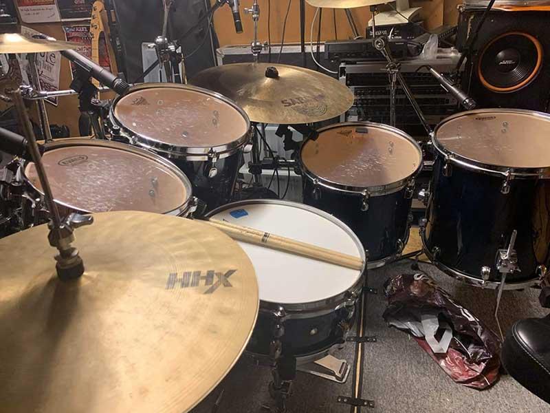 Victor Parri drum setup